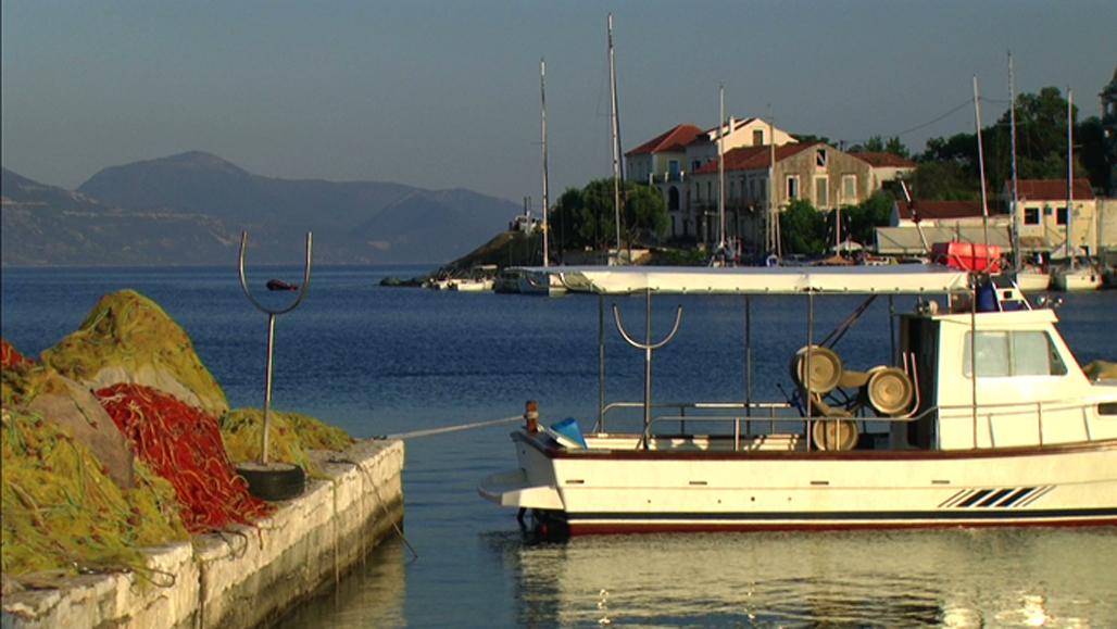 Puerto de Fiskardo, en la Isla de Cefalonia (Grecia).