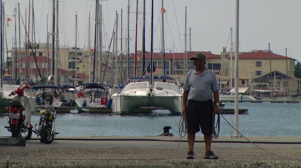Llegada al puerto de Lefkada o Lefkas, última parada de l viaje por las islas griegas en velero.