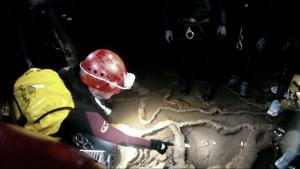 Espeleobarranquismo en la cueva de Valporquero