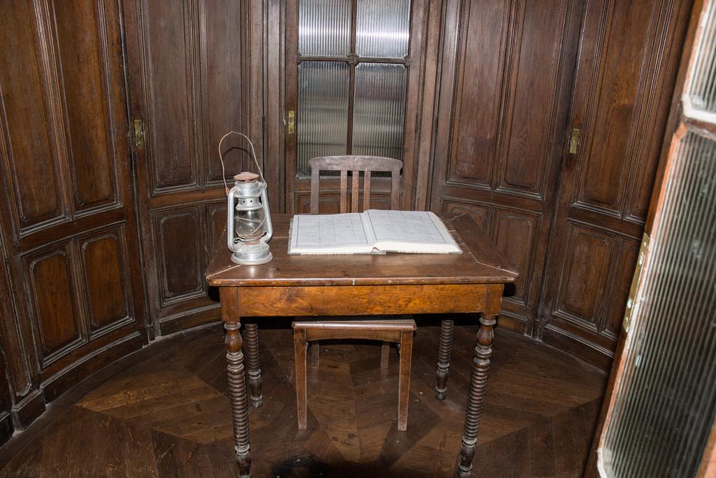 Un escritorio solitario
