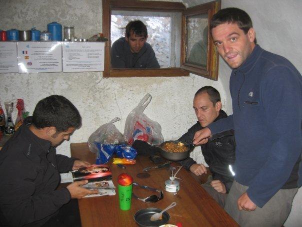 Cena en el refugio de tucarroya