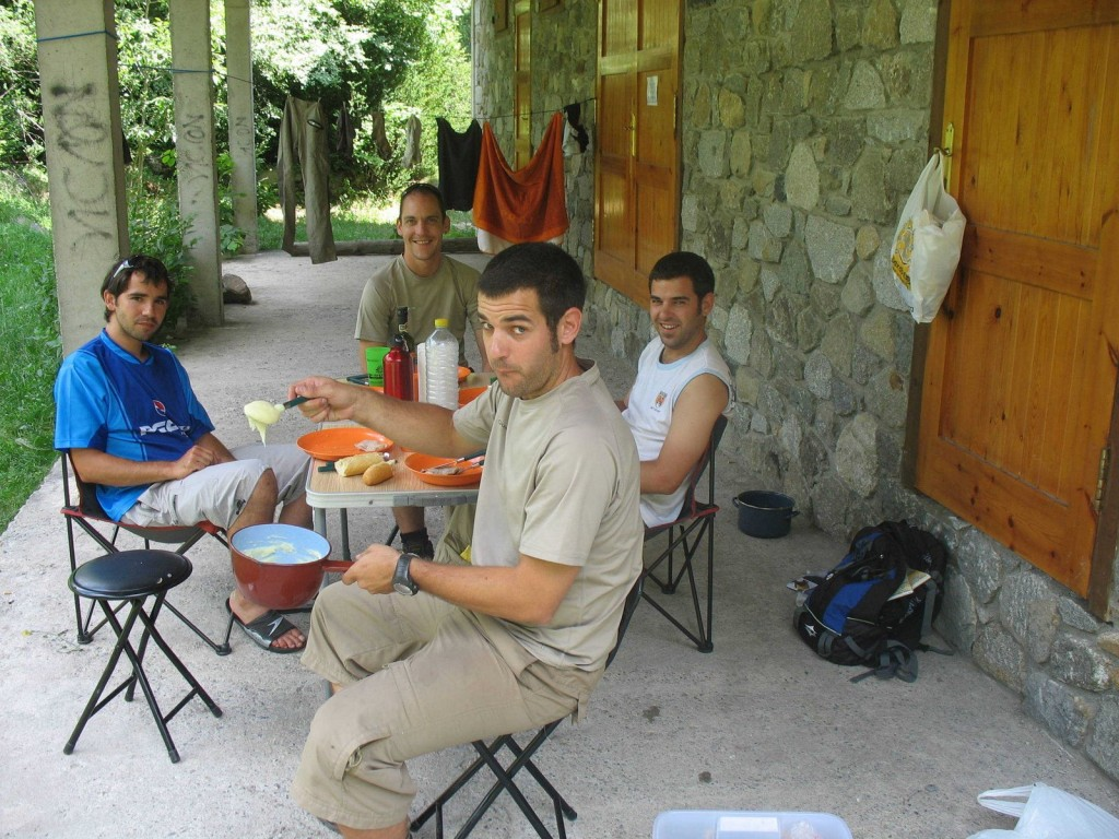 zona_acampada_benasque_pure_patatas