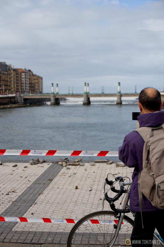 Es posible que el de hoy haya sido el día más fotografiadode Donostia, después de la tamborrada claro. ;)