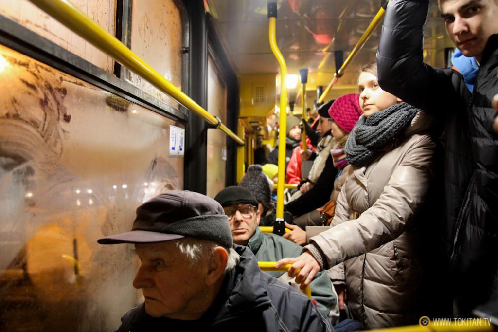 Fotografía tomada durante un temporal en el tranvía de Varsovia.