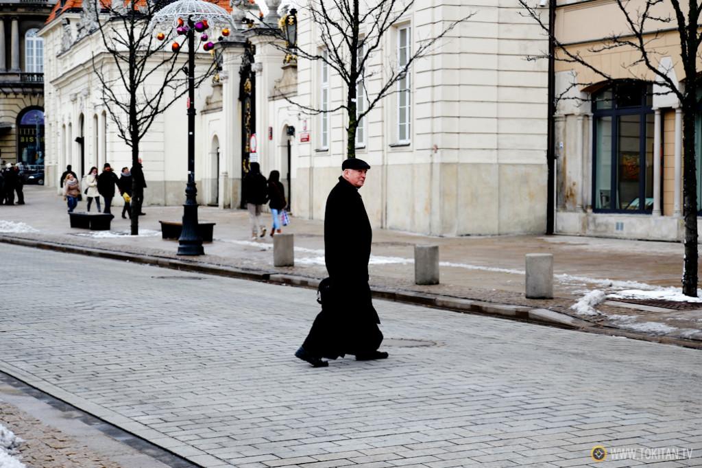 Polonia es un país muy religioso, no en vano es el país natal del Karol Józef Wojtyła, el papa Juan Pablo II. Esta foto está sacada en Varsovia.