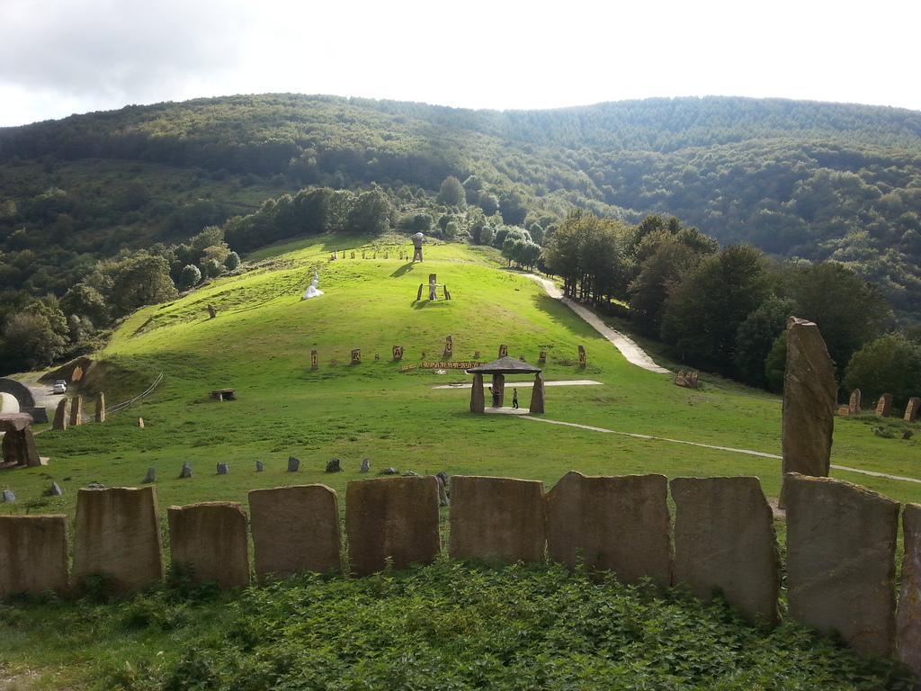 Peru Harri, parque museo de la piedra en Leitza