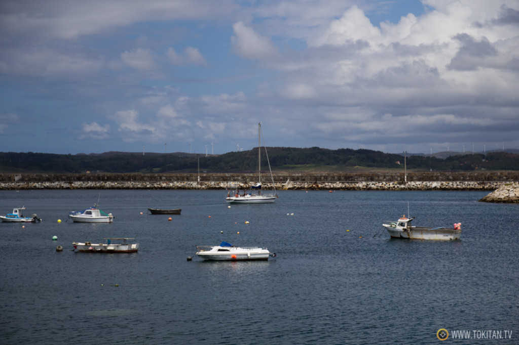 muxia_costa_da_morte_puerto_deportivo_libertalia_travesia_crucero_velero_vela_partiendo