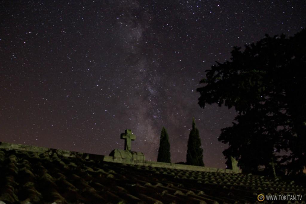 Desde el camposanto las estrellas se ven mejor.