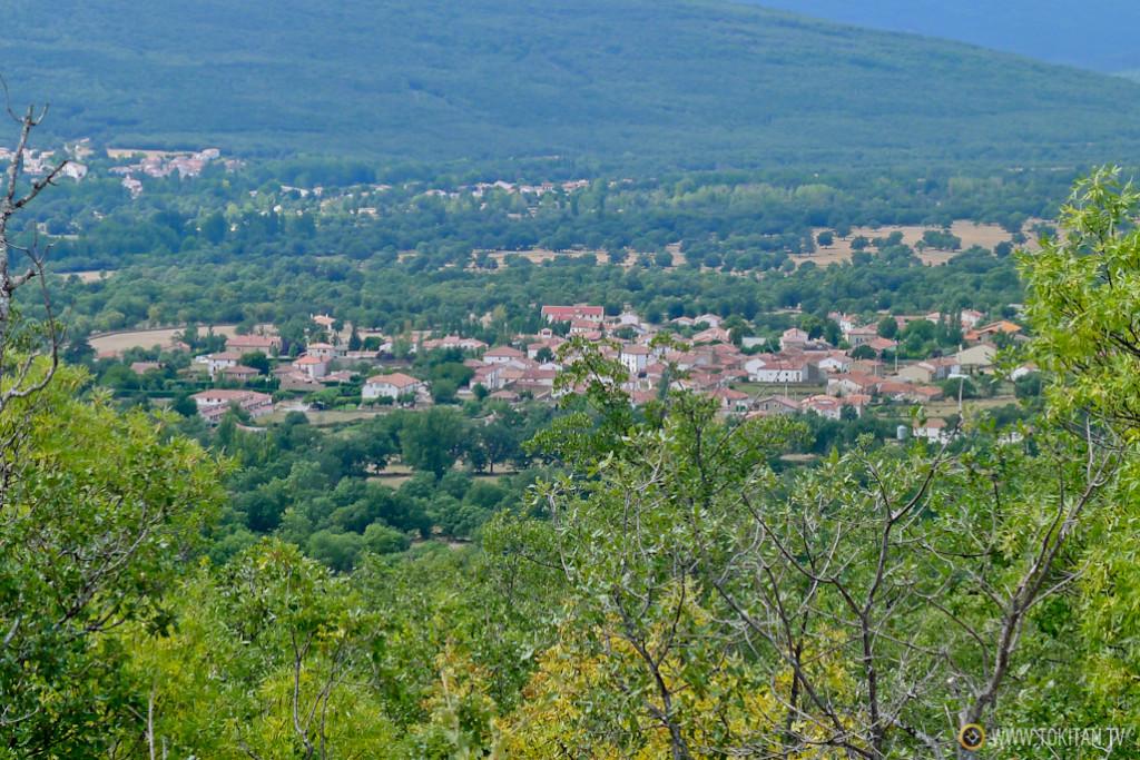 Valdeavellano de Tera visto desde un alto de la Sierra Guardatillo.