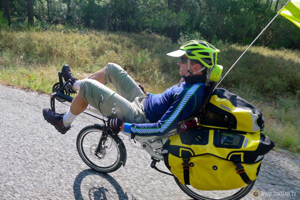 Viajar en bici reclinada.