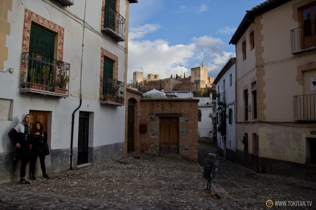 Vistas de la Alhambra desde la calle Aljibe de Trillo, en el Albaicín.