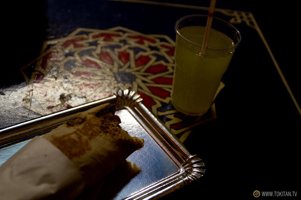 Un rico shawarma o durum del restaurante Baraka.