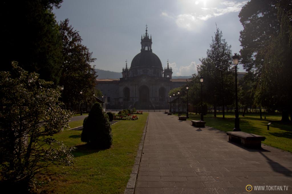 Fachada principal del Santuario de Loiola.