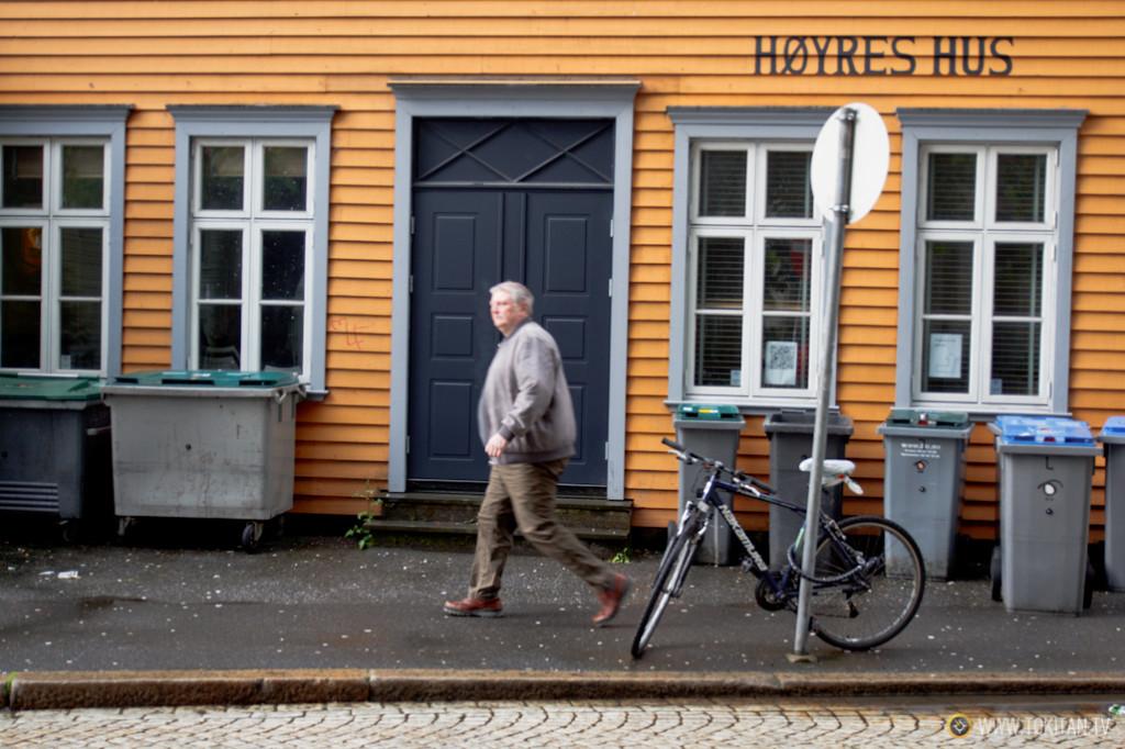 Las pintorescas casas de colores de Bergen se suceden en los diferentes barrios.