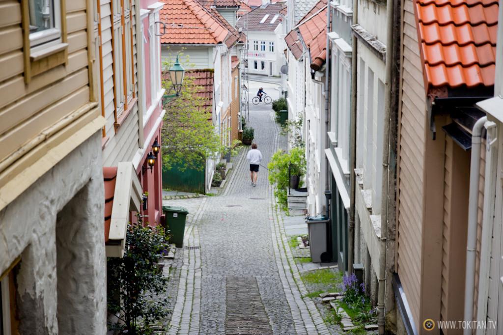 Una calle del barrio tradicional de Nøstet.