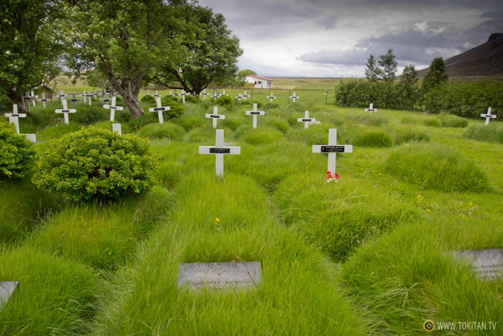 iglesias_turba_islandia_hofskirkja-tradicional-antigua-casas-tejado-hierba