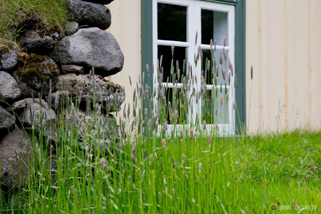 iglesias_turba_islandia_hofskirkja-tradicional-antigua-casas-ventana