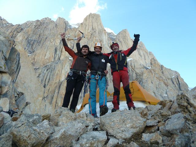Iñurrategi, Zabalza y Vallejo, en la expedición del año pasado a Paiju Peak.