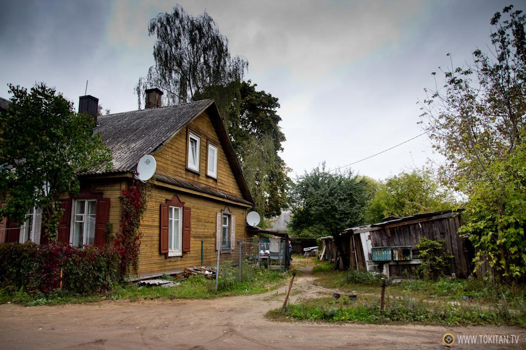 Una casa tradicional de madera del barrio de Snipiskes de Vilna.