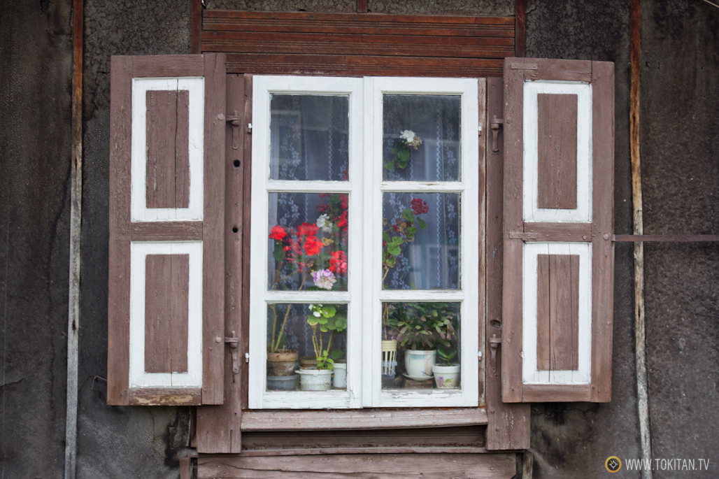 Una ventana del barrio tradicional de Snipiskes