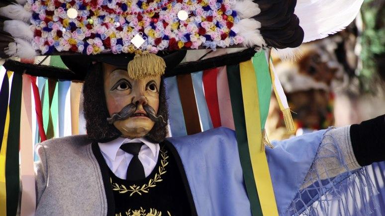 Los spiegeltuxer de la localidad de Muller y sus máscaras, uno de los carnavales tradicionales de Austria. Foto http://www.tyrol.com/