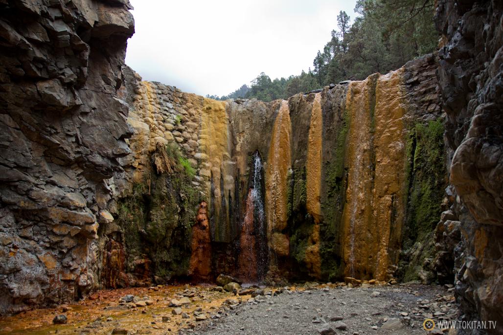 que-ver-la-palma-canarias-isla-bonita-rincones-paisajes-cascada-colores