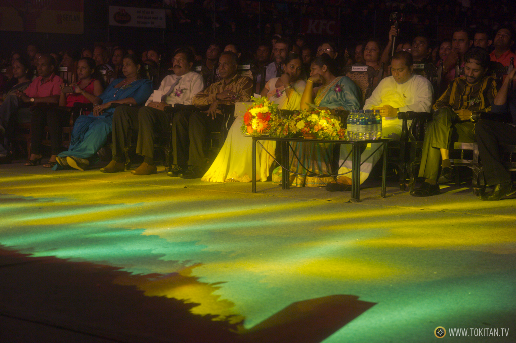 salir-fiesta-sri-lanka-colombo-danza-teatro-drama-bares-dia-poya-festividad-maestros