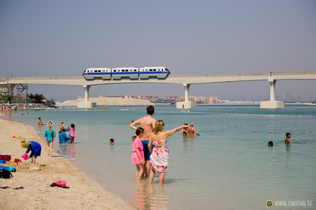 El monorail, a su llegada al hotel Atlantis en Palm Jumeirah.