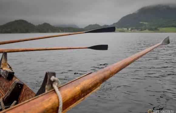 que-hacer-noruega-remo-barco-tradicional-vikingos-halsabrura-geitbat-halsa-valsoyfjorden-valsoya-kyrkjebat-remos