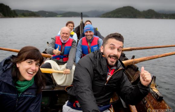 que-hacer-noruega-remo-barco-tradicional-vikingos-halsabrura-geitbat-valsoyfjorden-valsoya-kyrkjebat