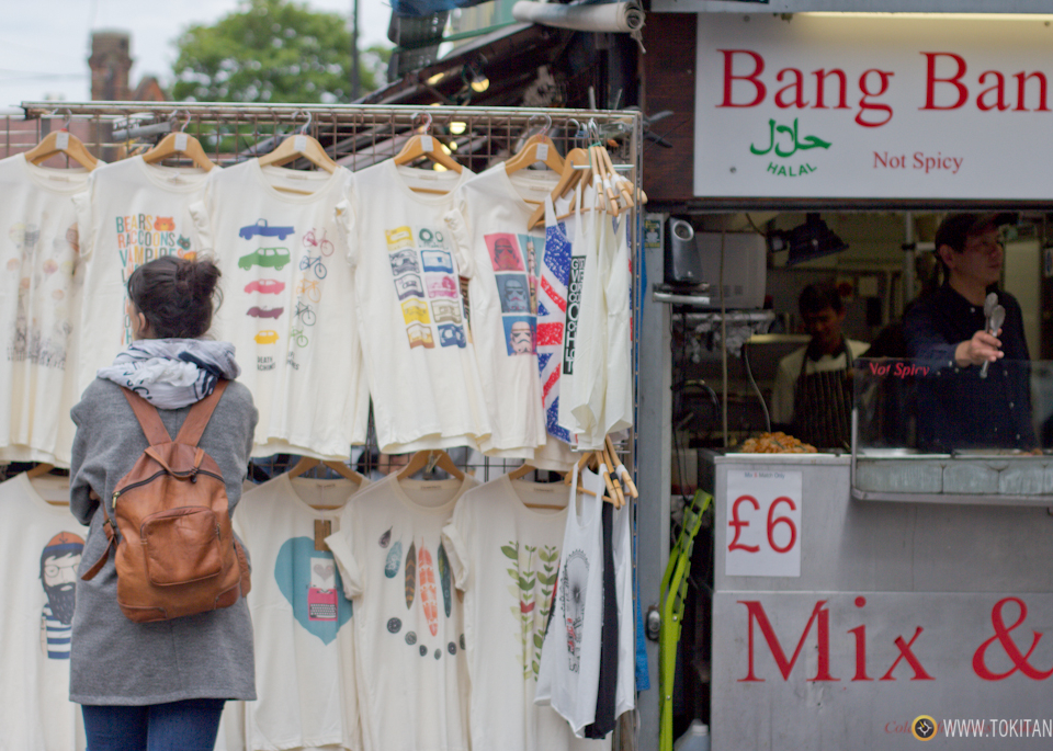 que-ver-hacer-londres-mercados-camden-lock-market-candem-town-camisetas_tiendas_mercadillo