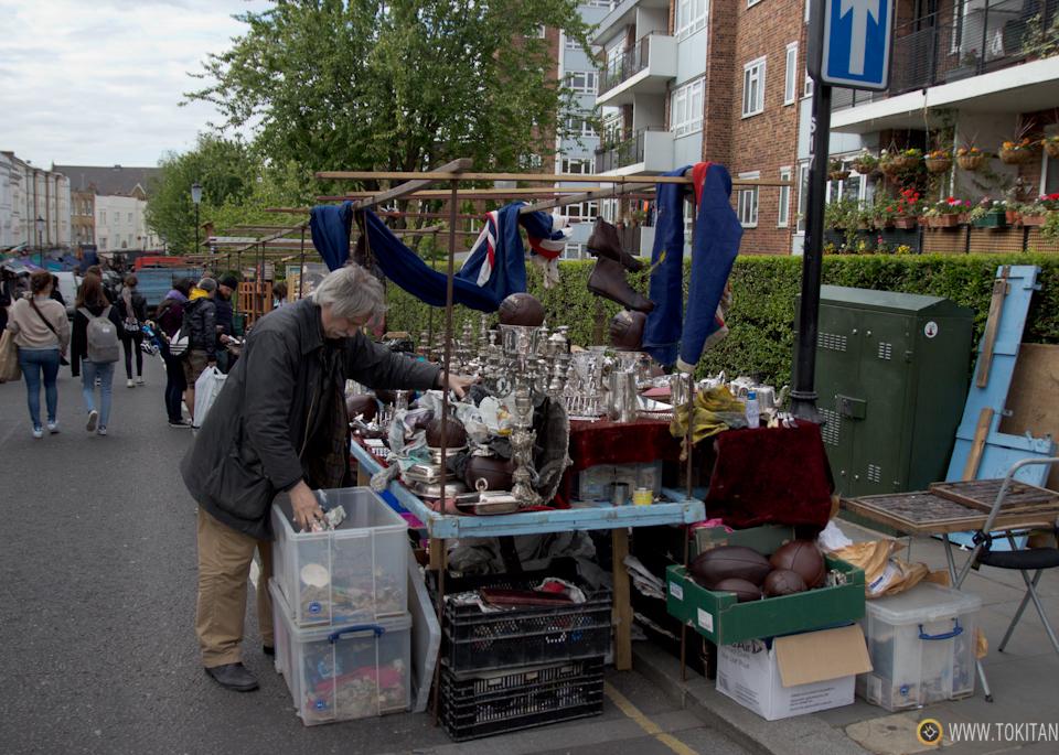que-ver-hacer-londres-mercados-portobello-market-notting-hill-puestos-mercadillo_puesto-antiguedades