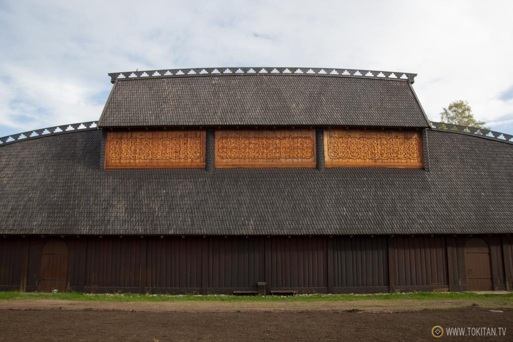 Reconstrucción de un Gran Salón Vikingo en el centro histórico de Midgard, en Borre, una de las atracciones más concurridas de la Ruta Vikinga Noruega.