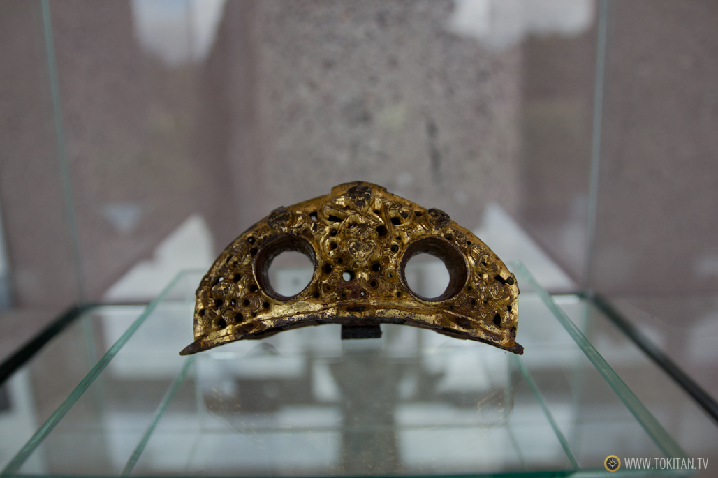 Las excavaciones del complejo arqueológico de Midgard sacaron a la luz una hebilla de oro utilizado en un carro a caballos por algún nombre de la época.